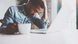 4 hábitos ruins que prejudicam suas finanças